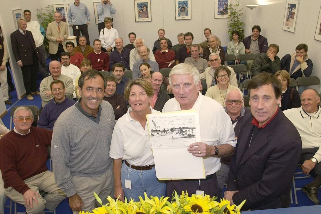 Seve suprises Colm Smith at an AGW retirement award during the 2012 Volvo Masters - How many AGW members can you count - 16?